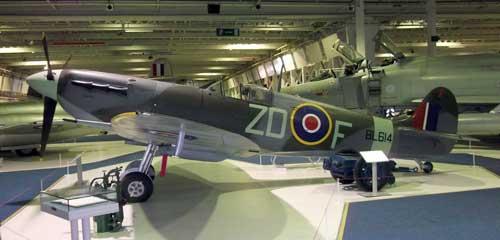 Spitfire-RAF-Museum.jpg