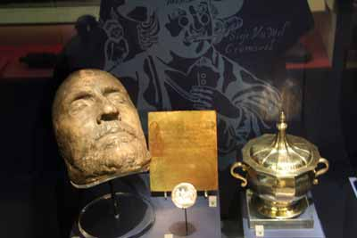 Oliver cromwells Death Mask museum of London